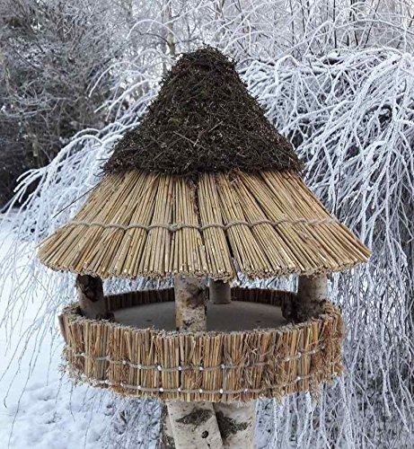 Vogelfutterhaus mit Reetdach und Heidekappe, Heidehütte klein