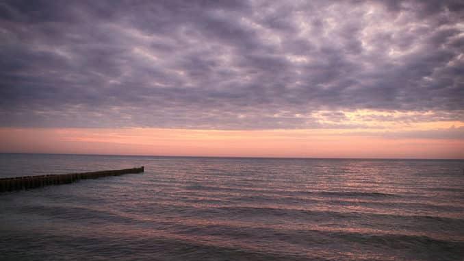 Ostsee-Ahrenshoop-Sonnenuntergang.jpg