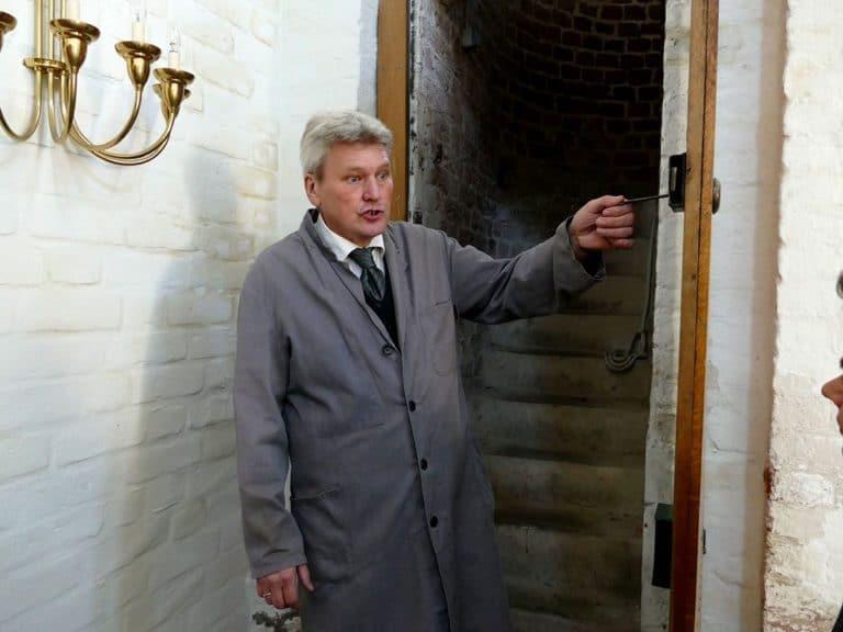 Aufgang zum Glockenturm in der St. Nikolai Kirche auf Fehmarn