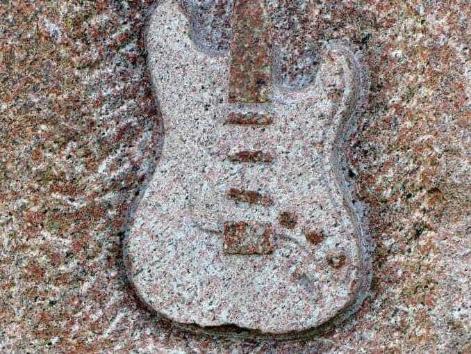 jimi-hendrix-fehmarn-ostsee-Bild-007-678x509 Jimi Hendrix Gedenkstein Fehmarn 🇩🇪 Ausflugsziele