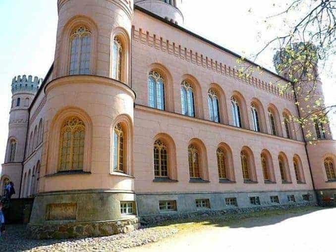 Das Jagdschloss Granitz in Perspektive
