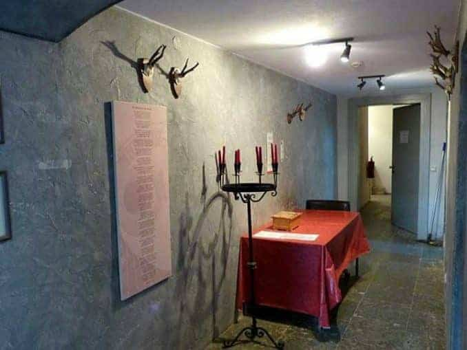 Jagdschloss Granitz – Kerzenständer im Gang
