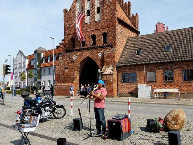 Musiker beim Schwedenfest in Wismar