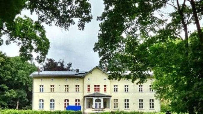 Gutshaus in Krebsow, ein Ortsteil von Groß Kiesow