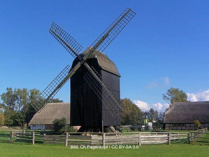 Bockwindmühle im Freilichtmuseum Klockenhagen