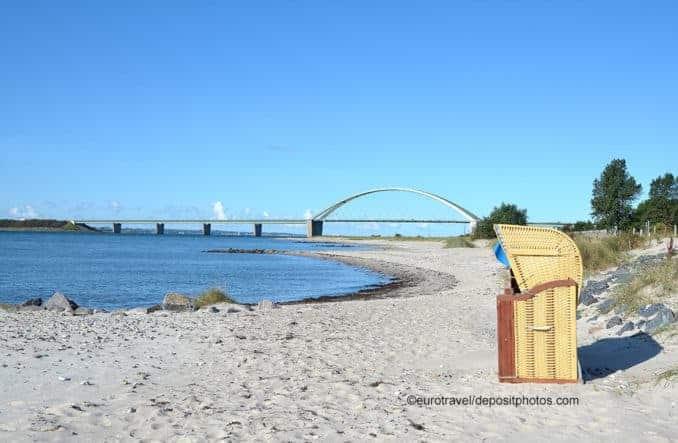 Fehmarnsund zwischen Ostseeküste und Fehmarn