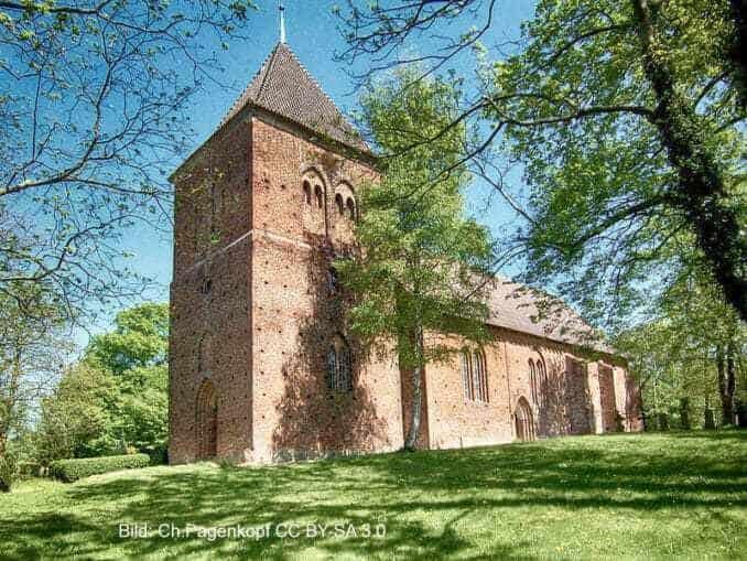 kirche-damshagen-678x509 Ostseeurlaub in Damshagen im Klützer Winkel 🇩🇪 Urlaubsorte