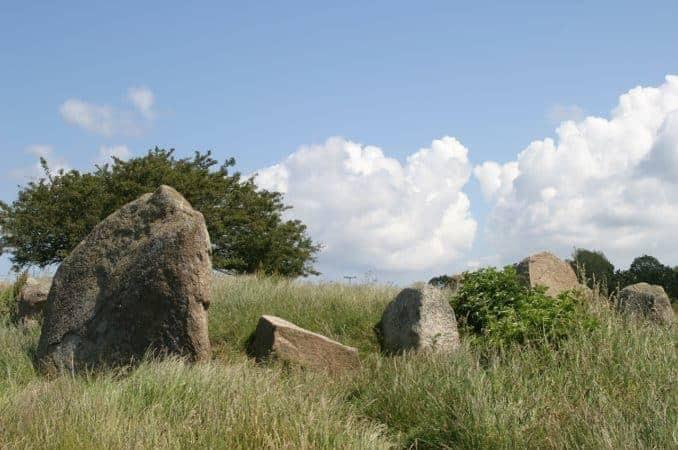 Rügen Hühnengrab Steine