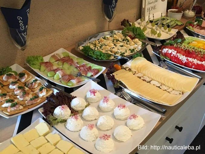 villa-nautica-polnische-ostsee-bufett-leba