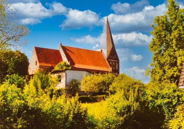 St. Marien, evangelische Kirche in Poseritz Bild:: Pc fish CC BY-SA 3.0