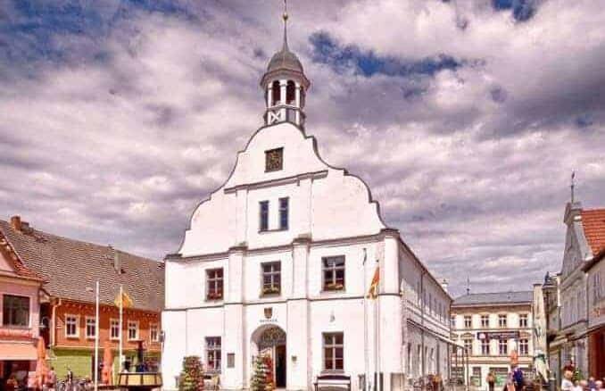Wolgast Marktplatz Altes Rathaus