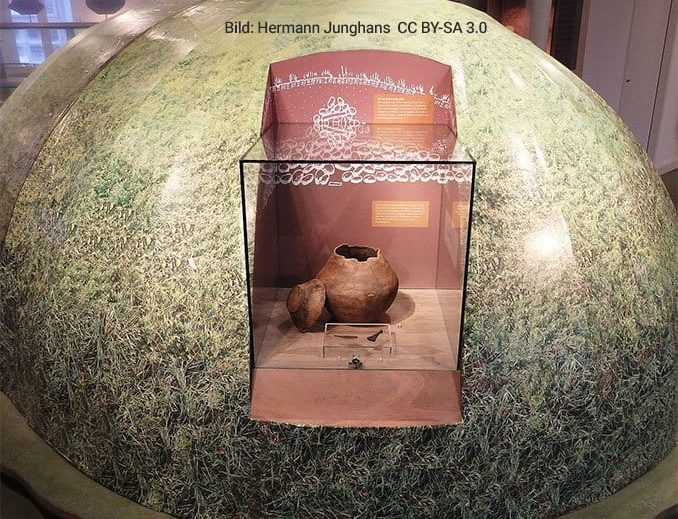 Grabhügelkonstruktion im Museum zeiTTor