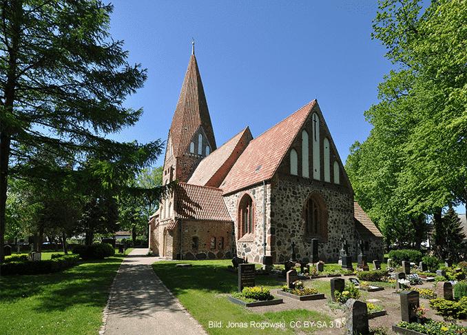Lichtenhagen-Kirche Elmenhorst / Lichtenhagen im Urlaub 🇩🇪 Urlaubsorte