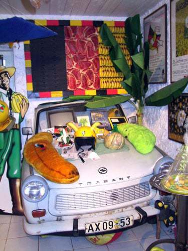 Trabant im Bananenmuseum Sierksdorf