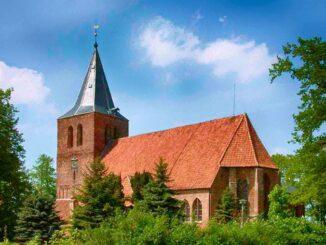 Kirche Sankt Laurentius im Klützer Winkel 🇩🇪 Ausflugsziele