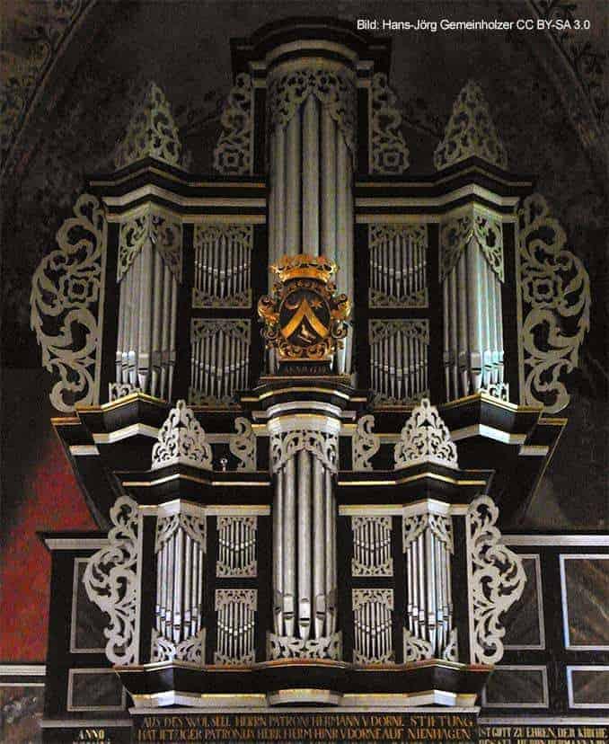 Orgel Kirche Kalkhorst Westwand
