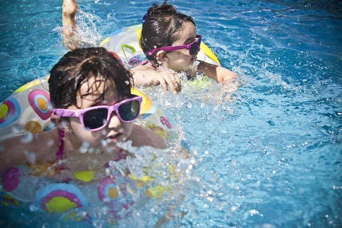kind-schwimmbad Rügen Urlaub mit Kindern 🇩🇪 Ausflugsziele