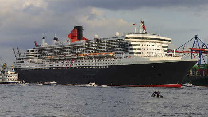 Queen Mary 2 im Hamburger Hafen / Bild:DerHexer CC-BY SA 4.0