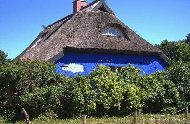 Blaue Scheune auf der Insel Hiddensee