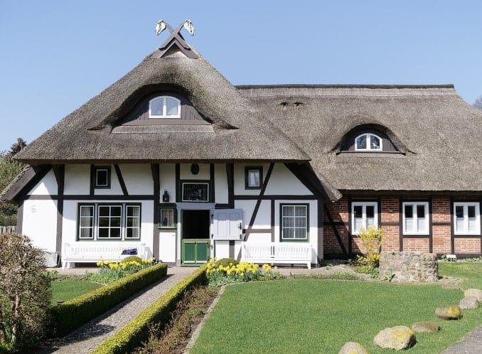 Reetdach-Ferienhäuser