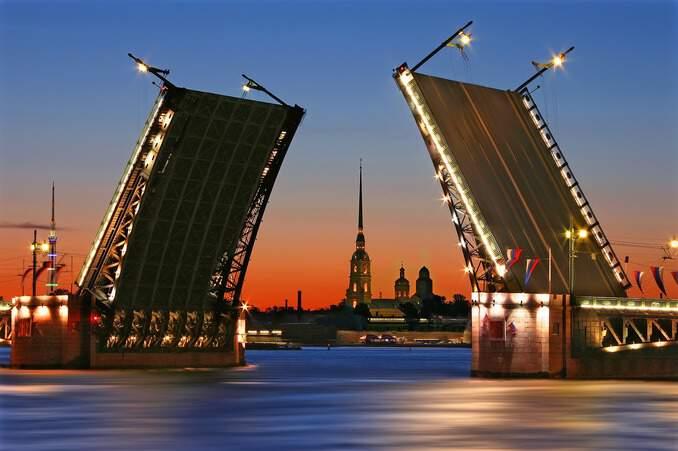 sankt-petersburg-schlossbruecke Ausflugsziele Sankt Petersburg 🇷🇺 Ausflugsziele