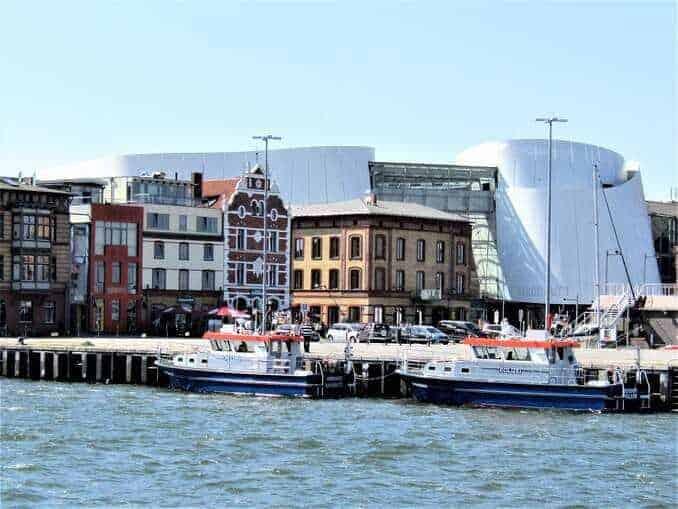 Stralsund mit Blick zum Ozeaneum