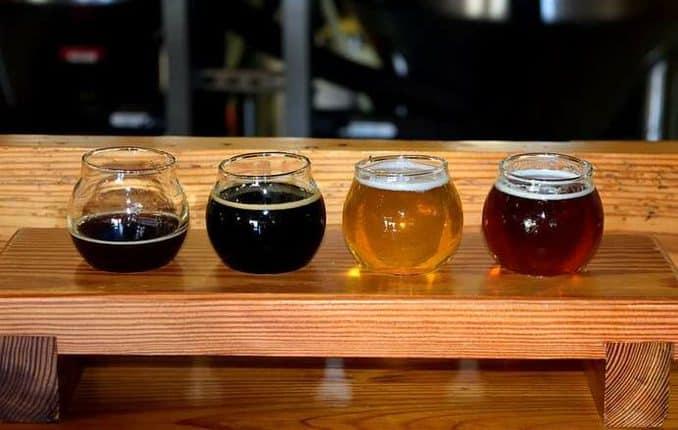 Bier in der Brauerei verkosten