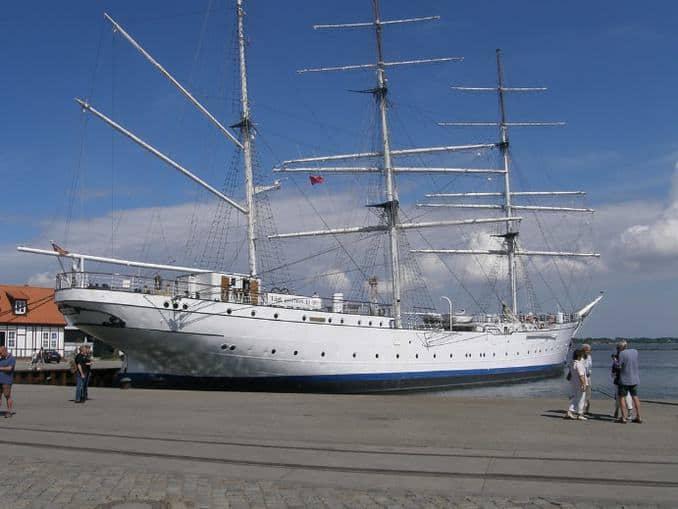 Gorch Fock im Hafen