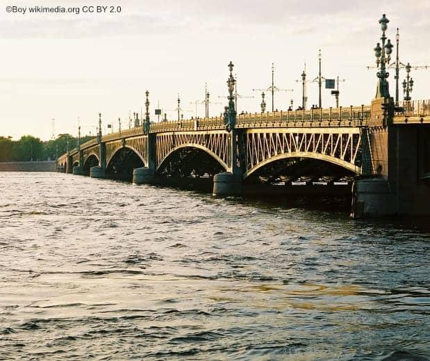 St Petersburg Troitskibrücke