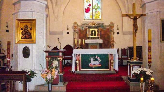 Kapelle St. Gertrud Rügenwalde Altar