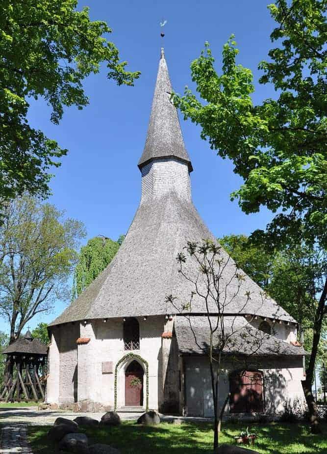 St.-Gertrud-Kirche in Darłowo Aussenansicht / Bild: JDavid CC BY-SA 3.0
