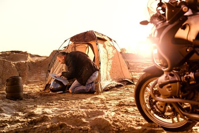Motorrad Camping Ostsee ©bernardbodo/depositphotos.com